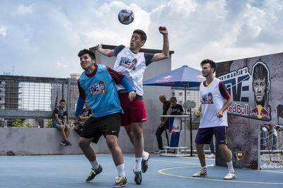 Curatenie eveniment Cupa Neymar Jr's Five pe acoperisul unui mall!
